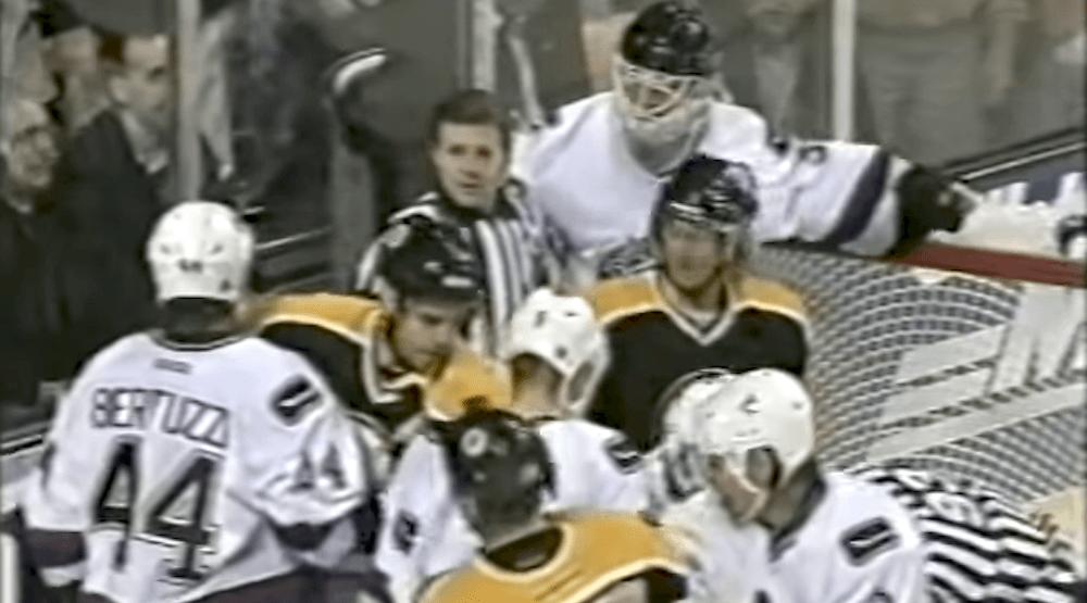 Throwback Thursday: Canucks goalie Dan Cloutier fights Travis Green (VIDEO)