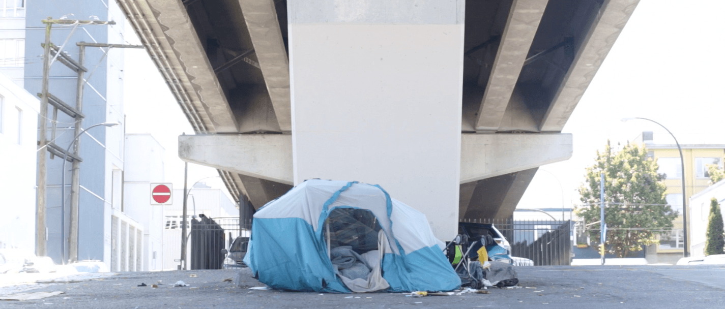 A homeless person's tent pitched in Vancouver (Kayla Isomura)