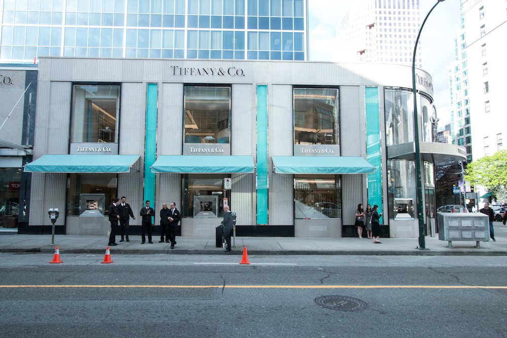 Tiffany & Co., New York. likes. Since , Tiffany & Co. has been the world's premier jeweler. This was my first time visiting a Tiffany and Co. Store and I had a wonderful experience. William helped me out, and was very kind to me. I can't wait to come back to New York to build my Tiffany and Co. collection. Thank you so much! See.