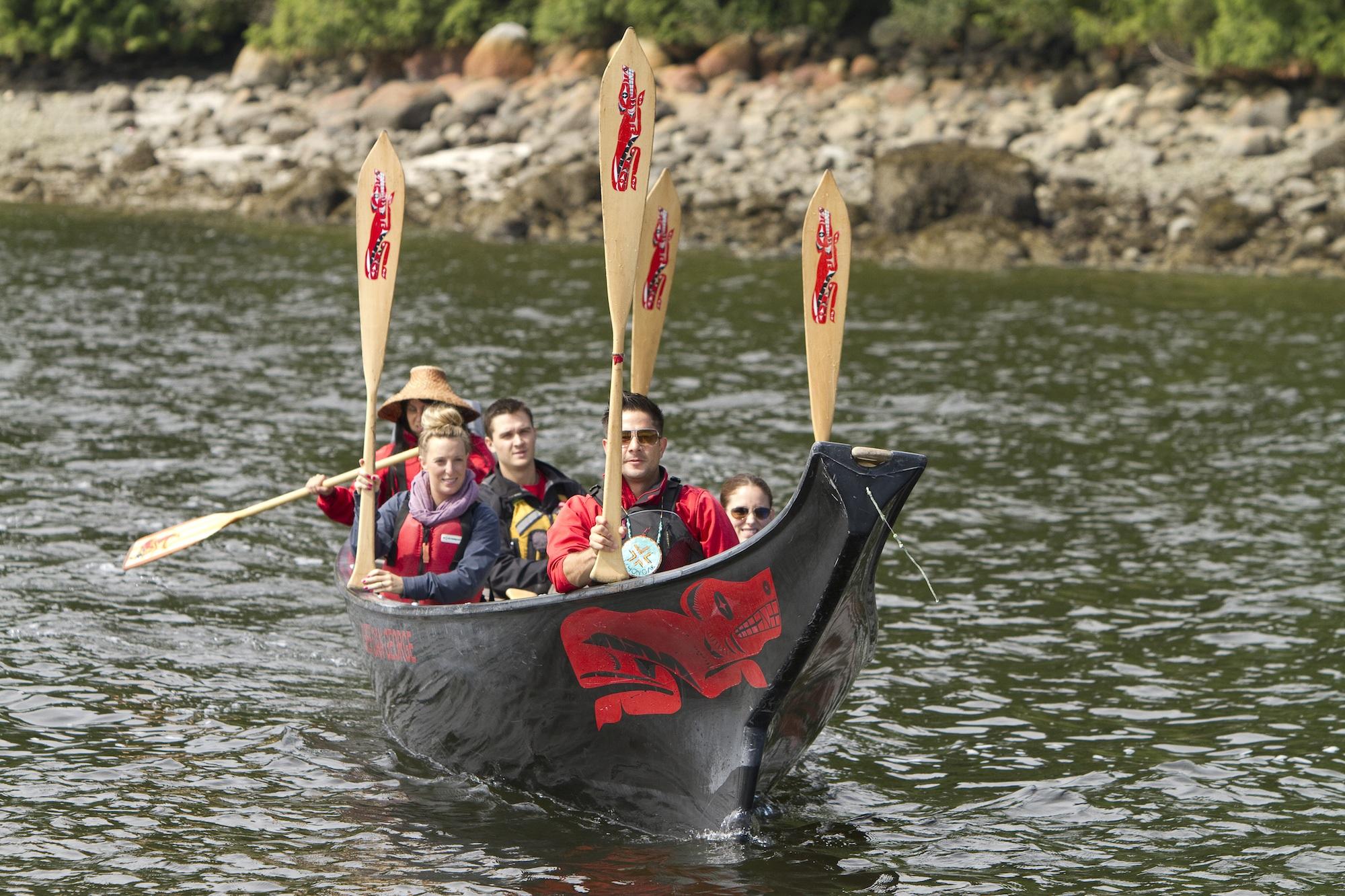 takaya-tours-paddles-up