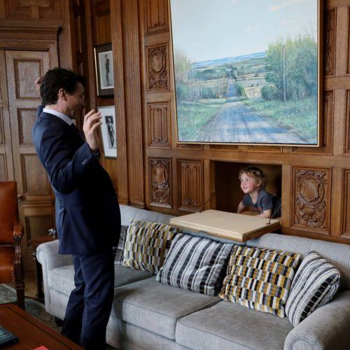 Hadrien Grégoire spent time with his dad, Justin Trudeau, at work (Justin Trudeau/Facebook)