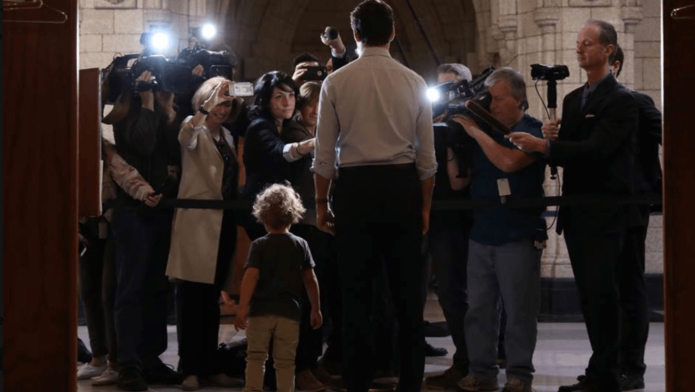 Daddy duties: Justin Trudeau brings son to work (PHOTOS)