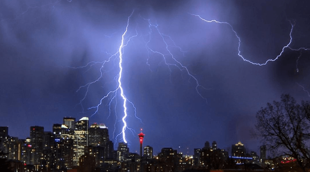 9 stunning photos from yesterday's lightning storm in Calgary (PHOTOS, VIDEO)