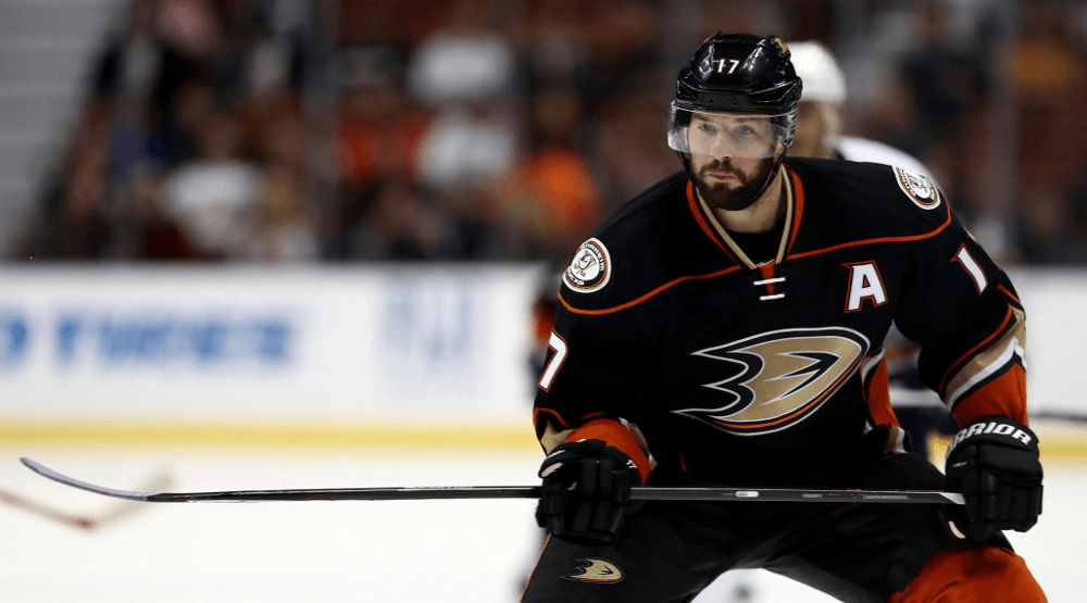Ryan Kesler putting on a vintage performance that Canucks fans recognize