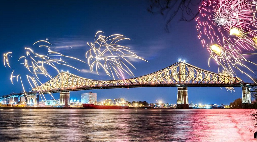 16 photos of the beautiful illumination of Jacques Cartier Bridge
