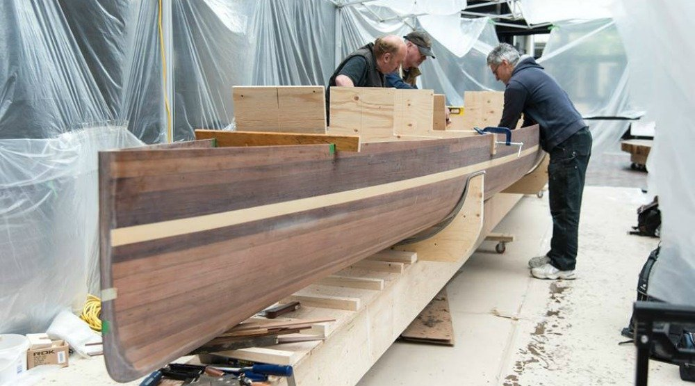 Watch locals carve race canoes to celebrate Canada's 150th birthday