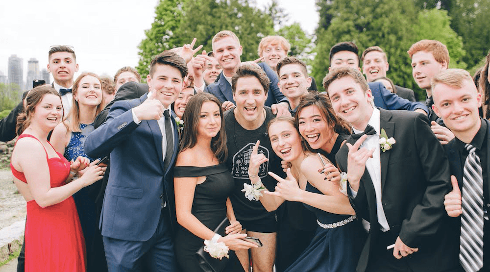 Trudeau stopped his run on the Vancouver seawall to take a photo with these teens
