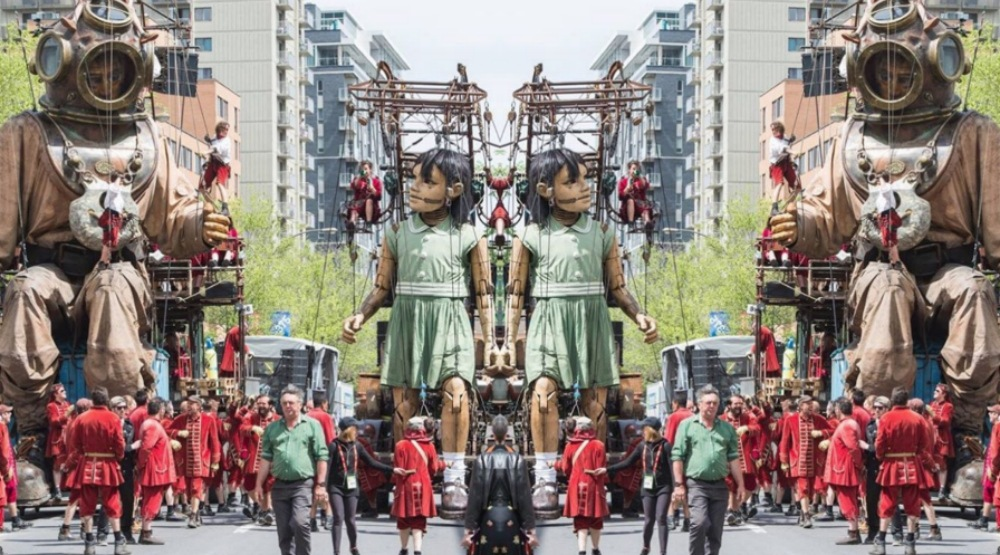 26 photos and videos of the giant Marionettes that took over Montreal
