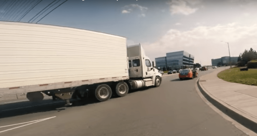 Beck Taxi caught pulling incredibly dangerous move on major GTA road (VIDEO)