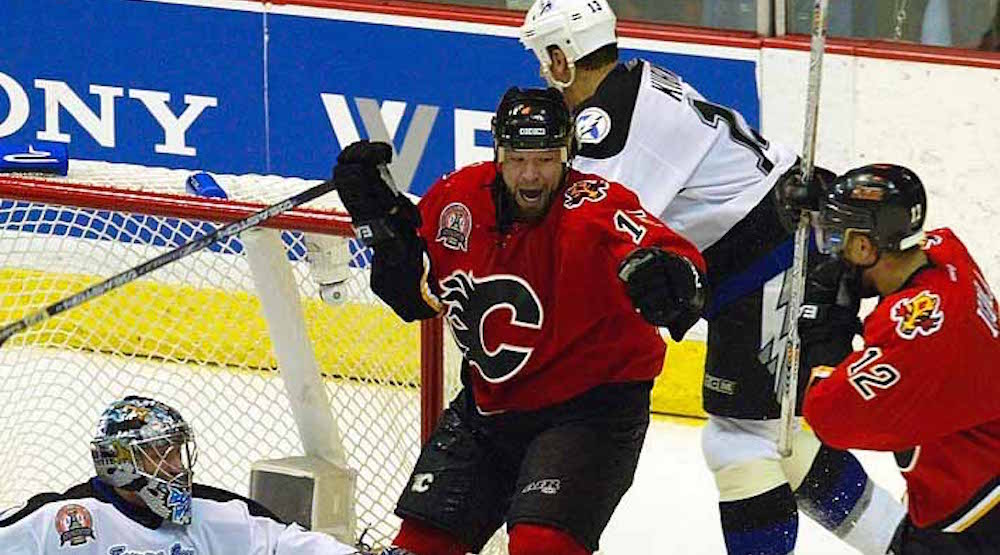 Report: Former Flames enforcer Chris Simon files for bankruptcy