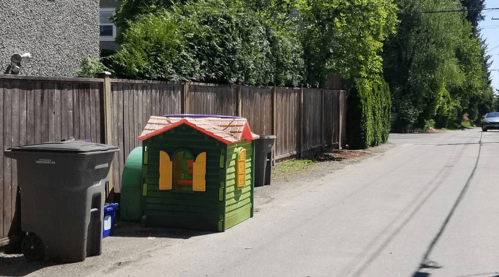 Spotted on Craigslist: This laneway takes tiny homes to another level in Vancouver