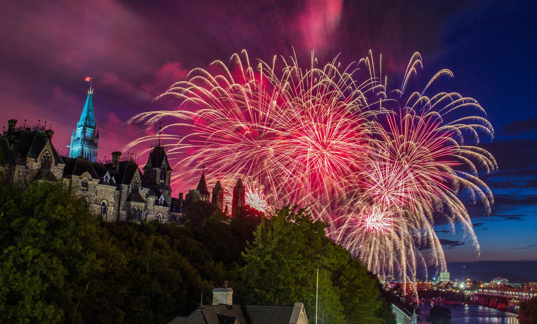 Canada 150: Ottawa to put on largest fireworks show in Canadian history