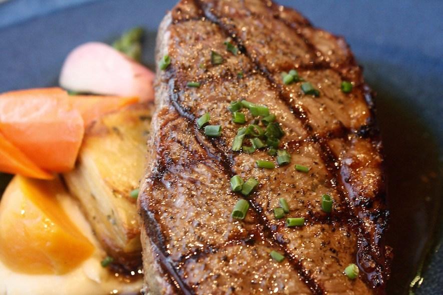 Oak + Cru_steak
