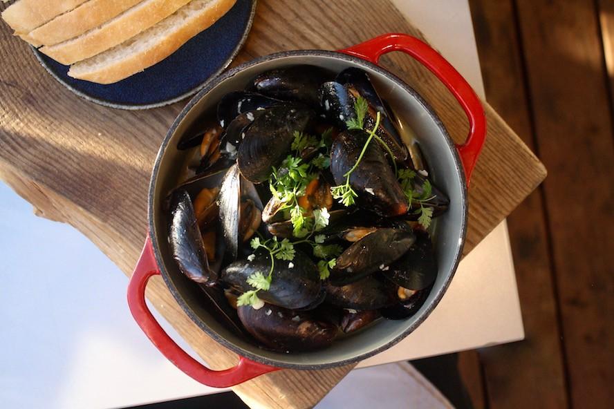 Oak + Cru_mussels