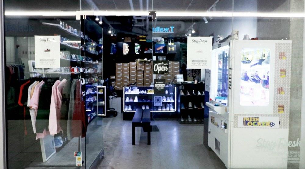 Storefrontstay fresh footwear