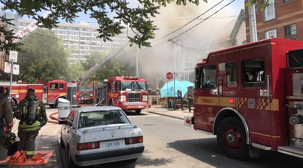 Fire Fighters battling 5-alarm fire at downtown Toronto restaurant (VIDEO)