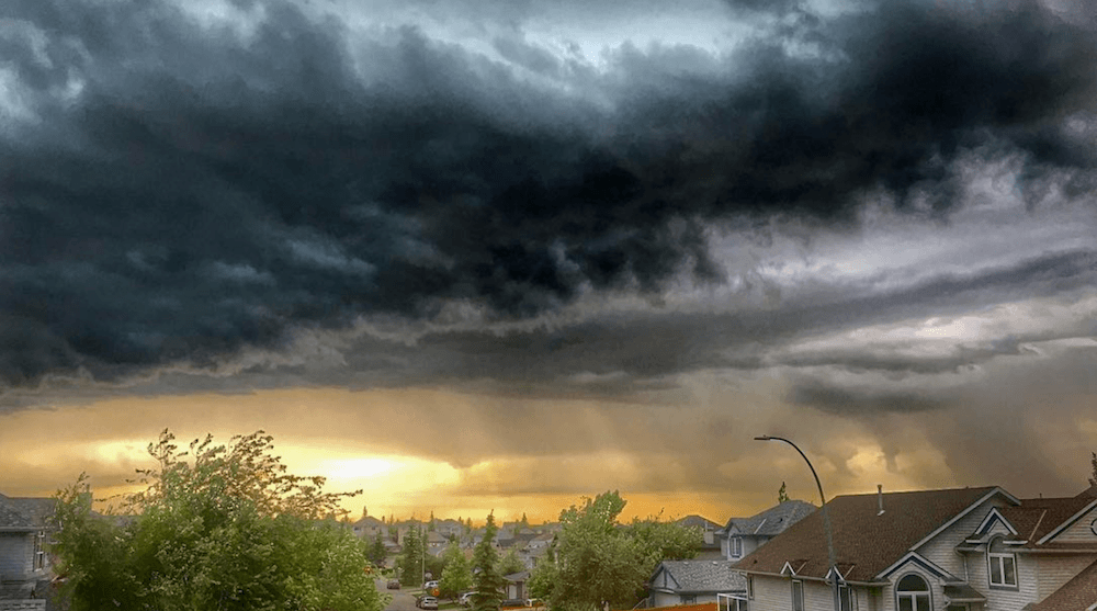 Thunderstorm blankets Calgary with beautiful clouds (PHOTOS, VIDEOS)