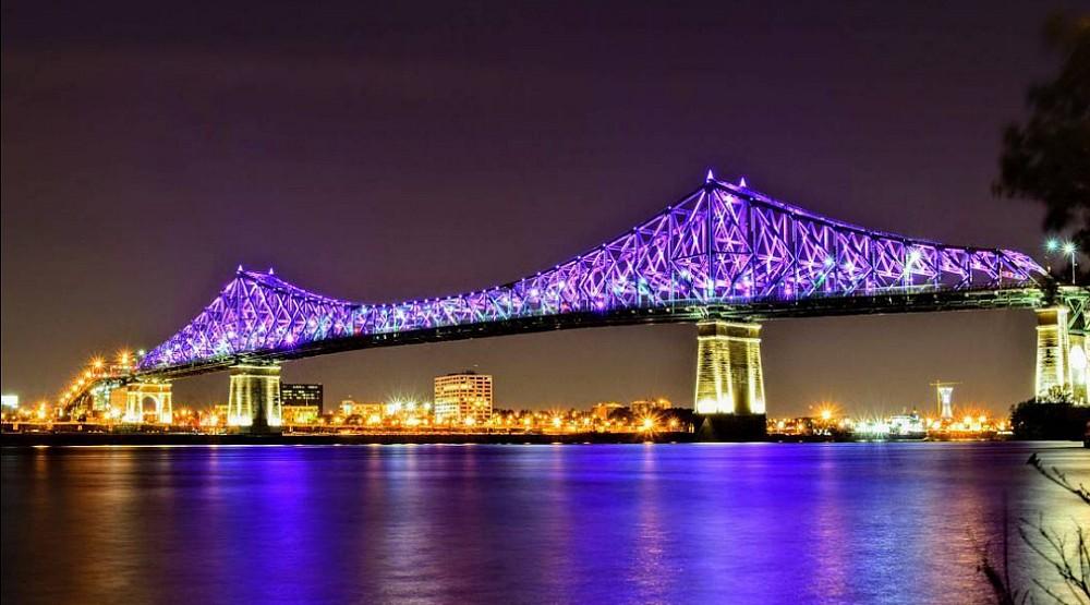 The Jacques Cartier Bridge Illumination show will happen again this month