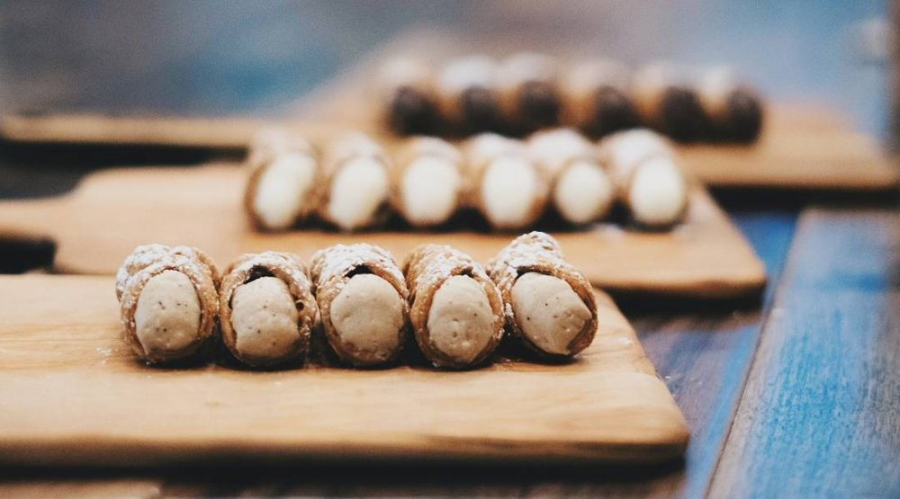 Where to get FREE cannoli for National Cannoli Day in Toronto