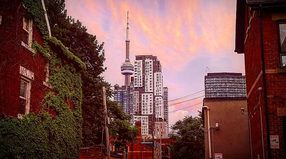 14 photos of the stunning sunset in Toronto last night