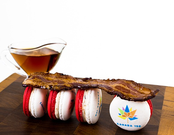 Soirette_Canada 150 macarons