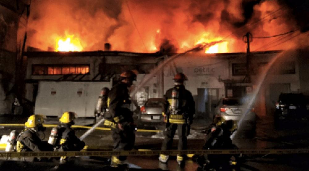 Vancouver firefighters battle massive blaze in Kerrisdale (PHOTOS)