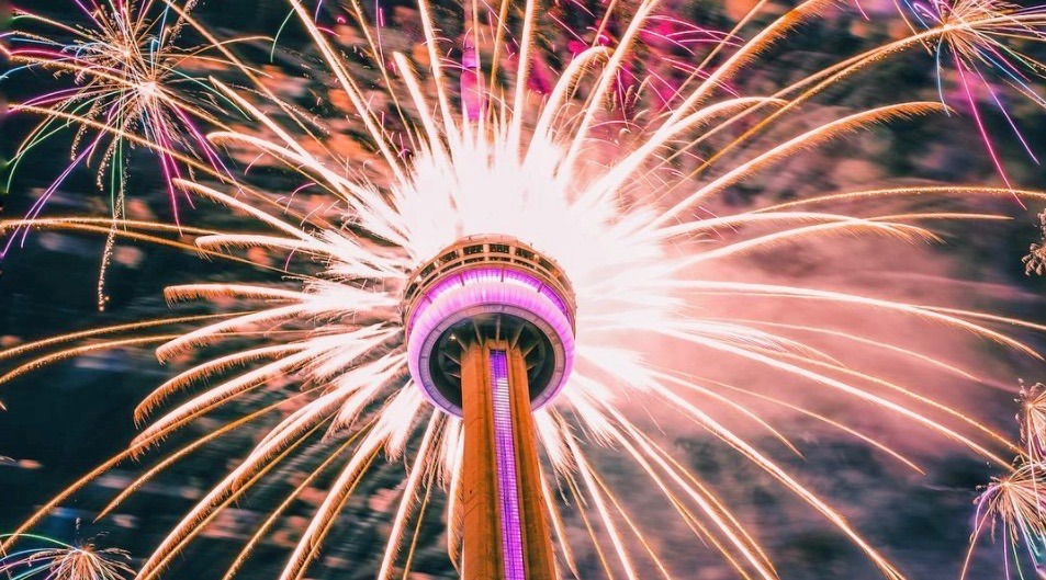 47 spectacular photos and videos of Canada Day fireworks in Toronto