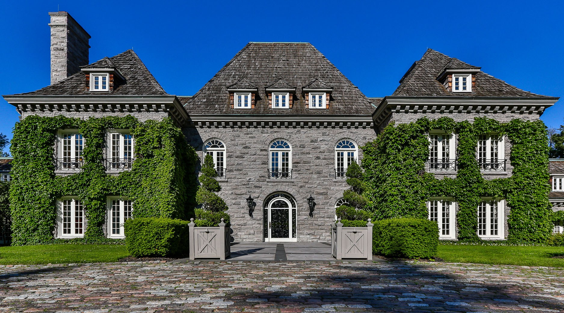 These are the 11 most expensive homes in Canada (PHOTOS/VIDEO)