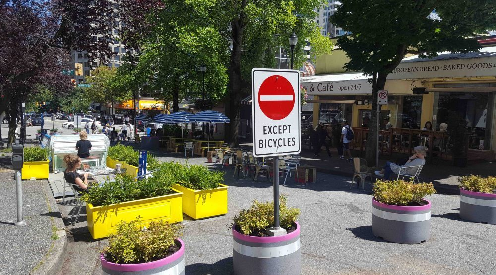 New public plaza opened at Bute and Robson (PHOTOS)