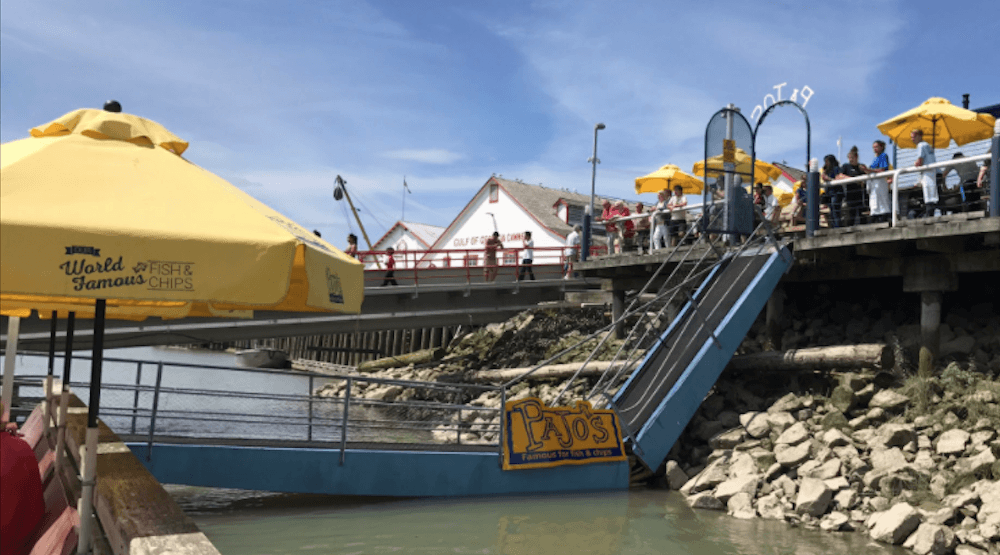 People stranded after access ramp for Steveston restaurant collapsed on Sunday