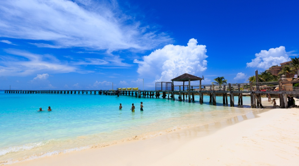 You can fly from Toronto to Cancun for $275 return this summer