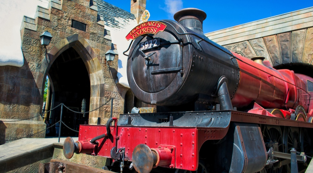 Hogwarts Express Train at Wizarding World of Harry Potter at Islands of Adventure, Universal Studios (dmitro2009/ Shutterstock)