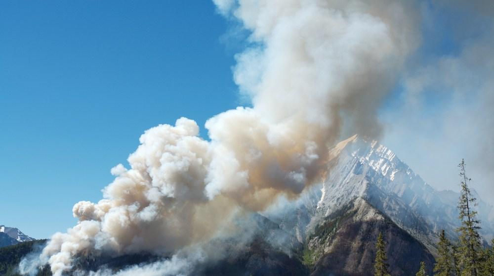 Wildfire mountain smoke shutterstock