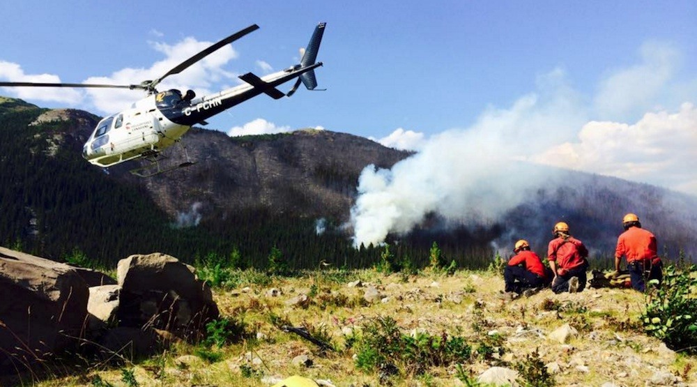 Bc wildfire fighters helicopter fire