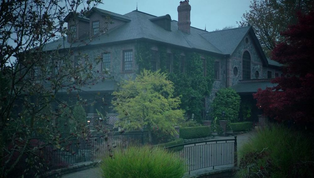Blossom Family Mansion (Riverdale/CW)