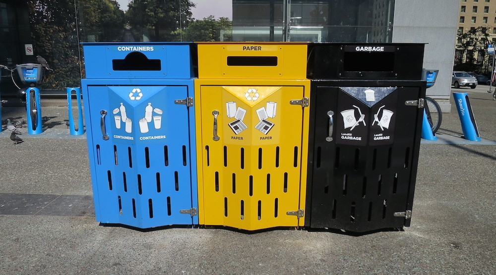Vancouver installing new large garbage and recycling bins on sidewalks