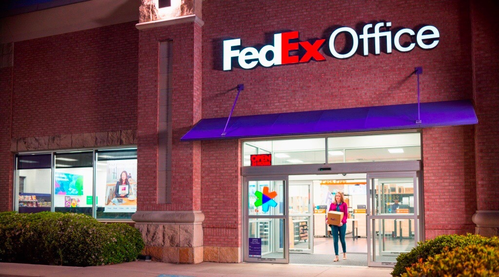 FedEx is closing all of its Canadian retail Offices