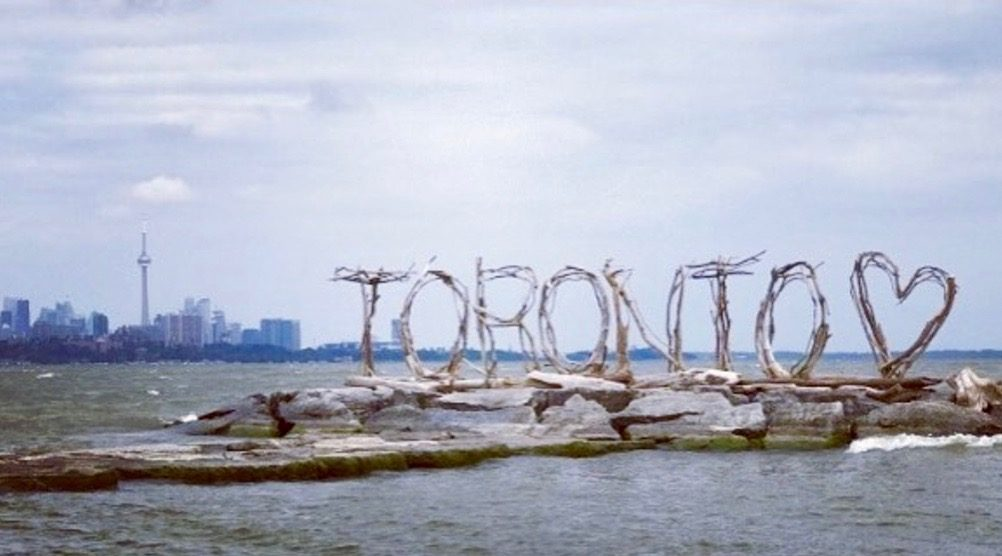A new 'Toronto sign' popped up over the weekend (PHOTOS)