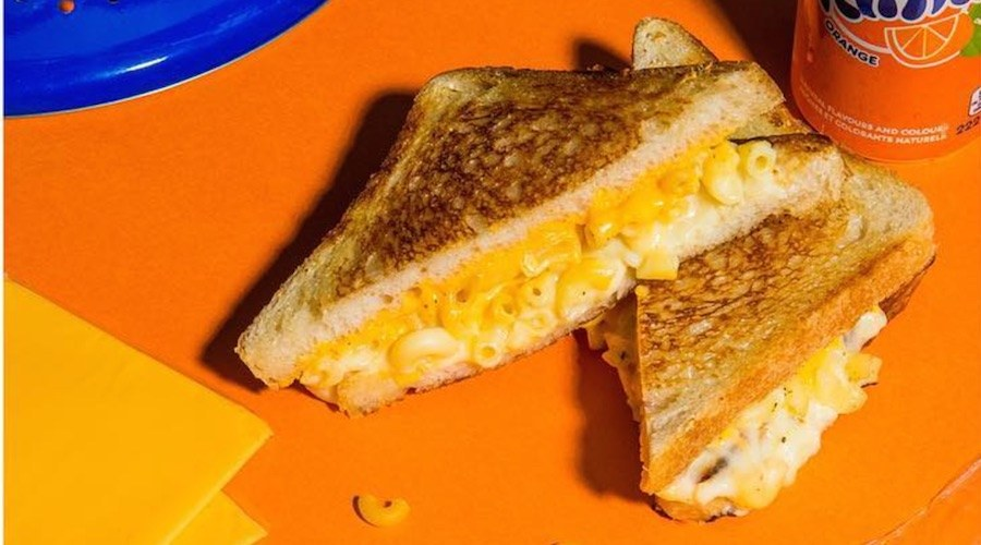 Hi five grilled cheese