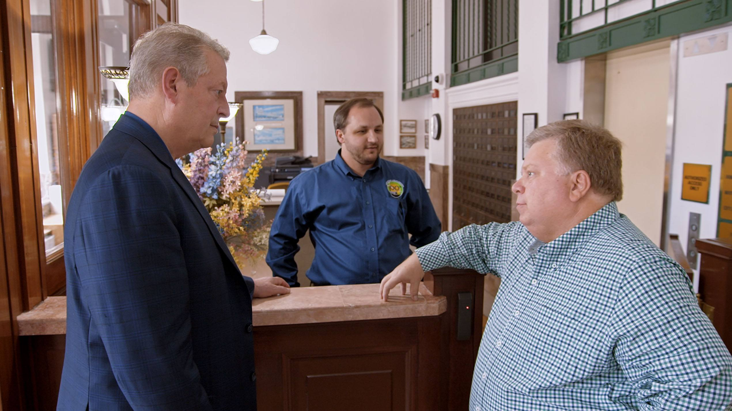 Al Gore meets Mayor Dale Ross of Georgetown, Texas, which has switched to 100% renewable energy, in An Inconvenient Sequel: Truth To Power (Paramount Pictures and Participant Media)