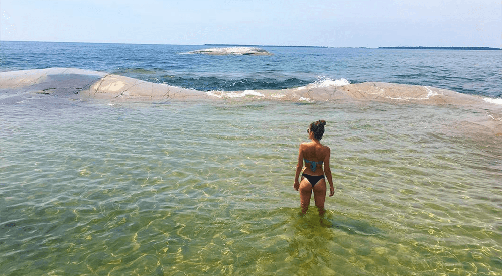 Ontario has a breathtaking natural 'bathtub' you need to visit (PHOTOS)