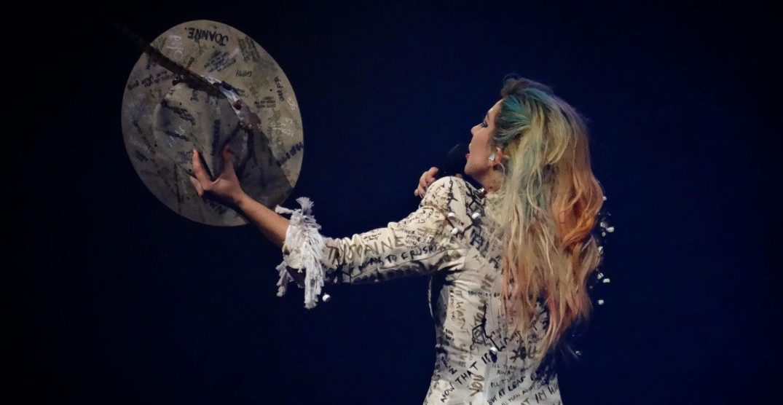 Gaga for Gaga: Vancouver fans crazy about singer's new tour (PHOTOS)