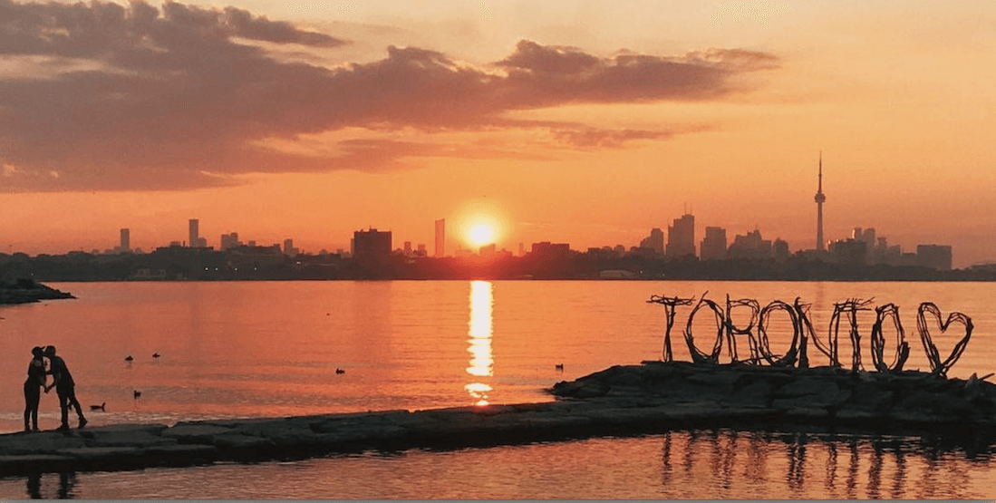 13 photos from last night's incredible sunset in Toronto