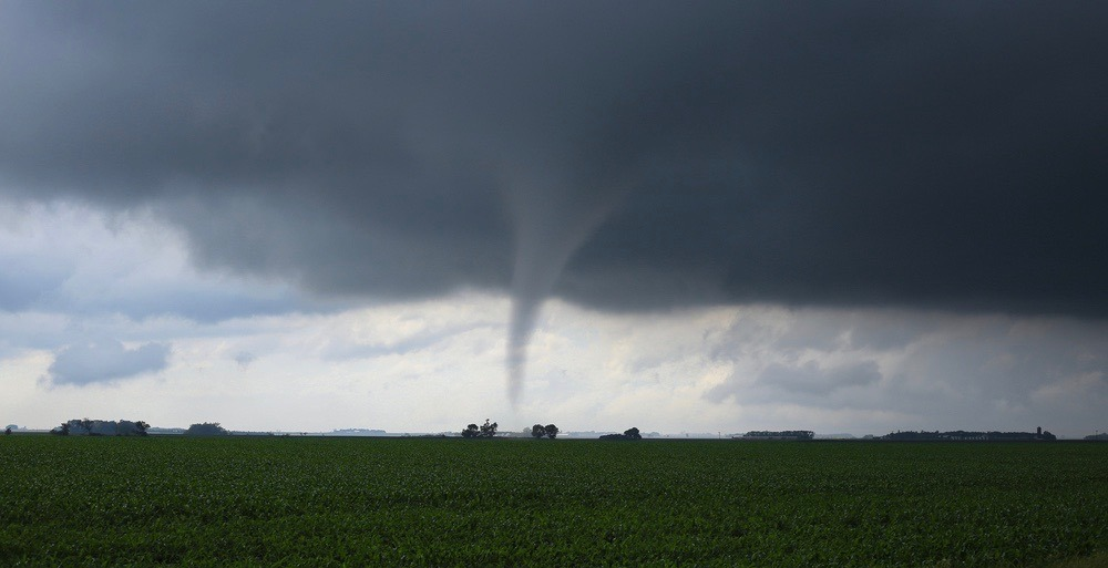 Tornadoes a possibility during incoming severe thunderstorm