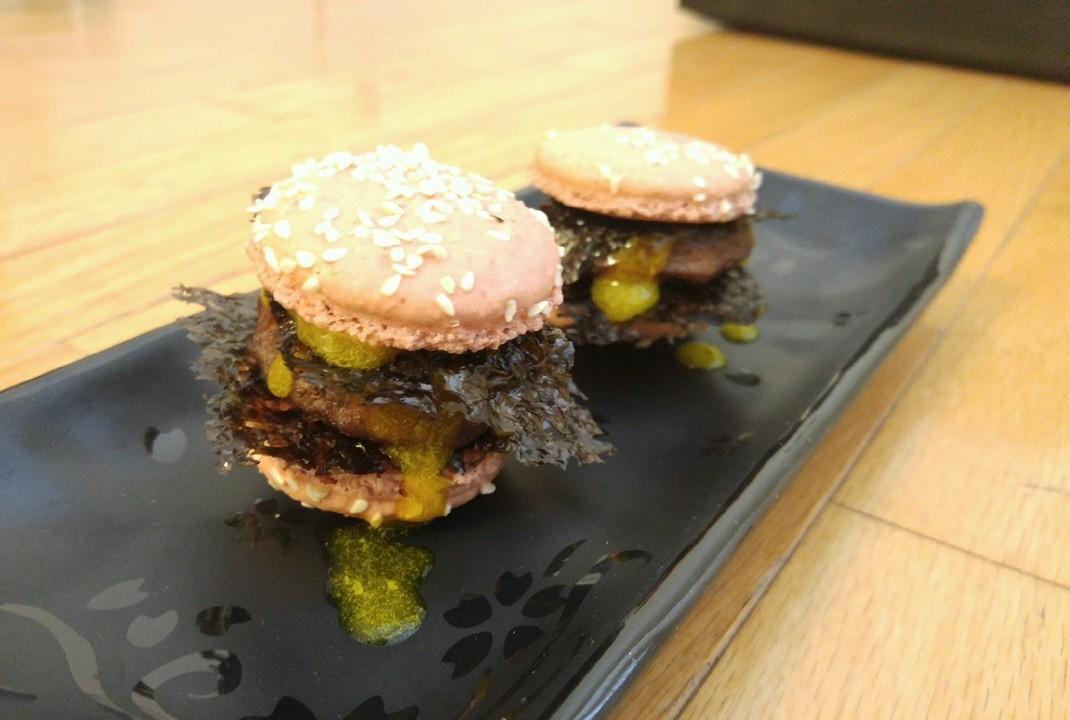 Makniku macaron burger