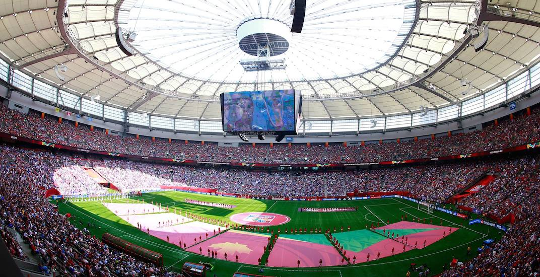Canada to submit joint bid for 2026 FIFA World Cup with USA and Mexico