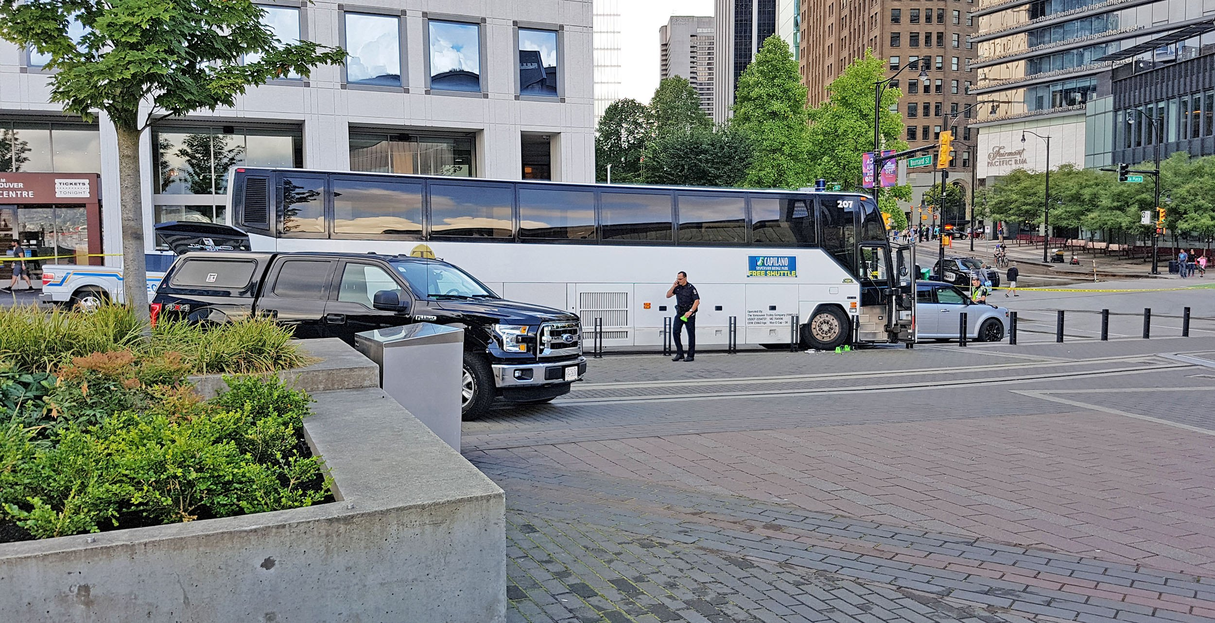 The bus involved in a crash at Canada Place (Ken Chan/Daily Hive)