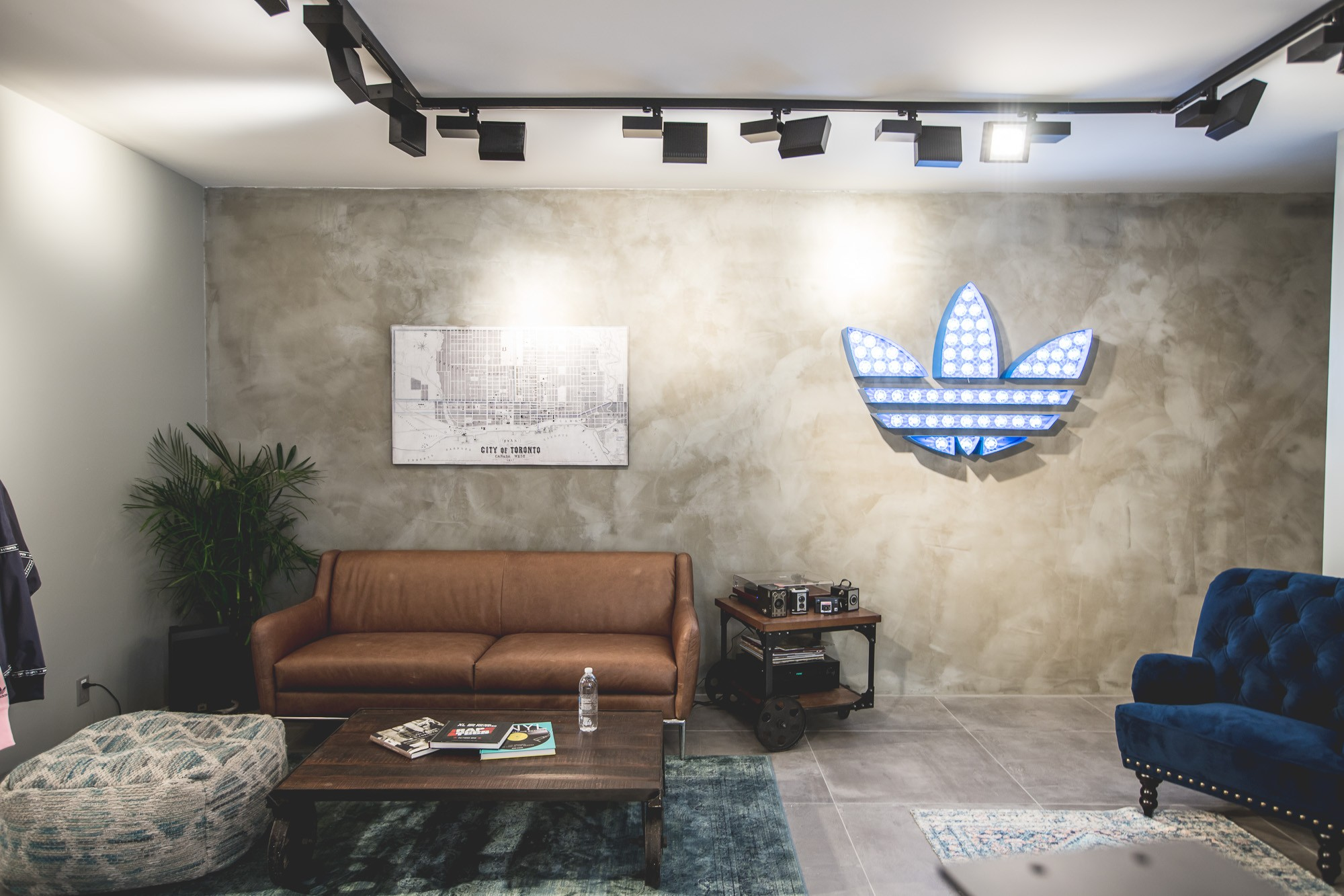 Dh adidasstore queenwest 20170809 12
