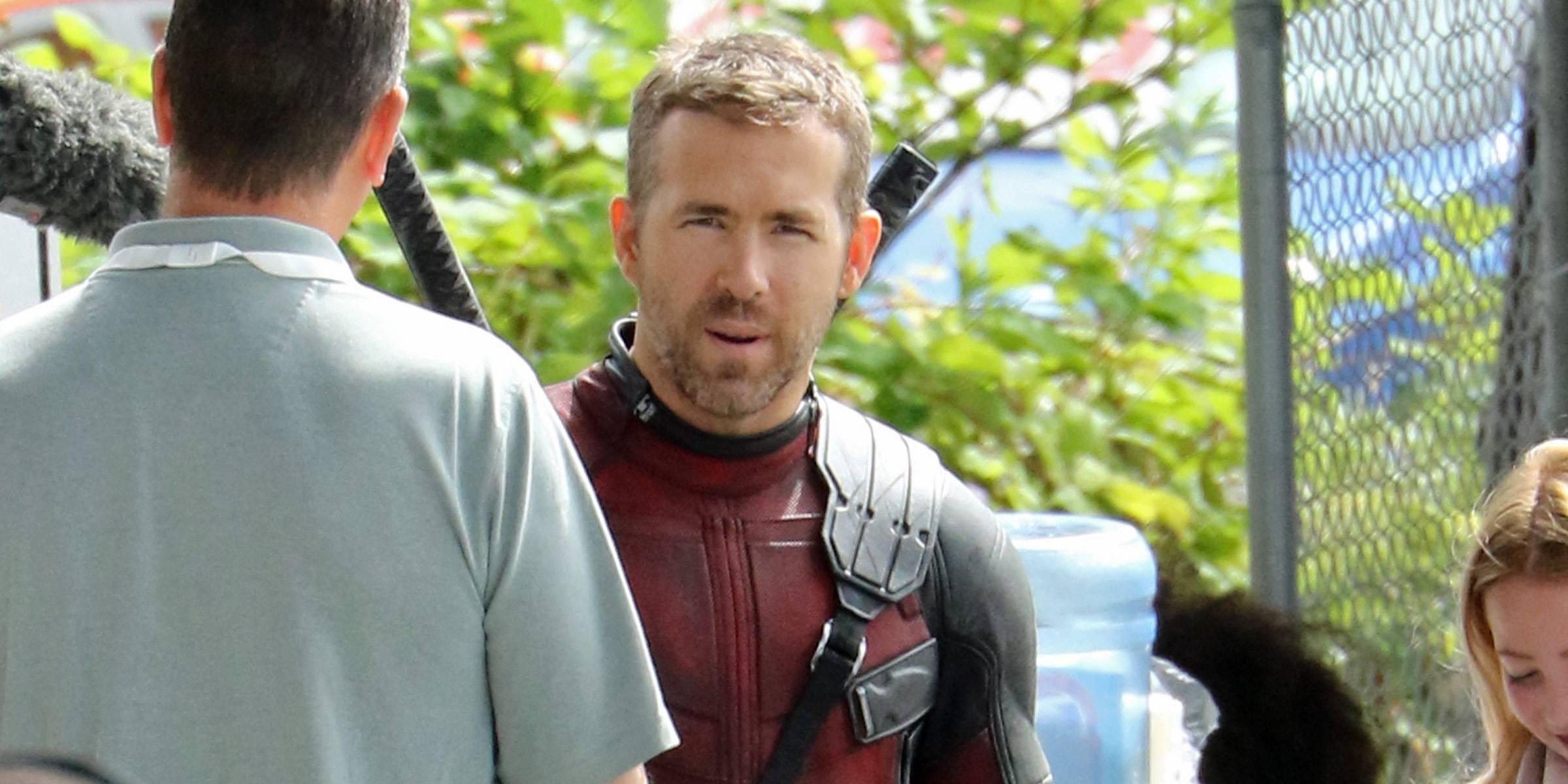 Ryan Reynolds meets fans on set of 'Deadpool 2' (PHOTOS)