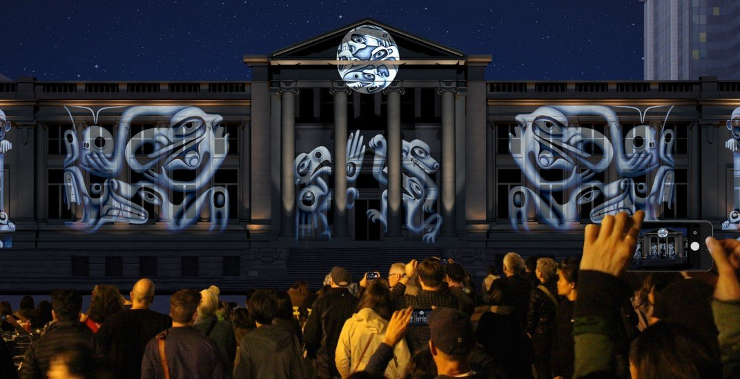 Projection on vancouver art galleryfac%cc%a7ade festival
